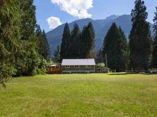 Photo 18: 14848 SQUAMISH VALLEY ROAD in Squamish: Upper Squamish House for sale : MLS®# R2193878