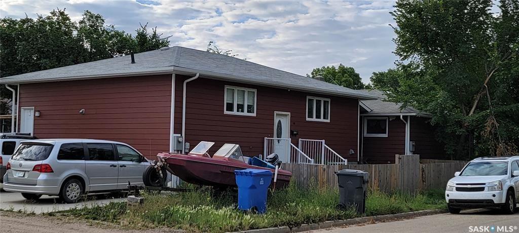 Main Photo: 733 Albert Street in Estevan: Hillside Residential for sale : MLS®# SK866795