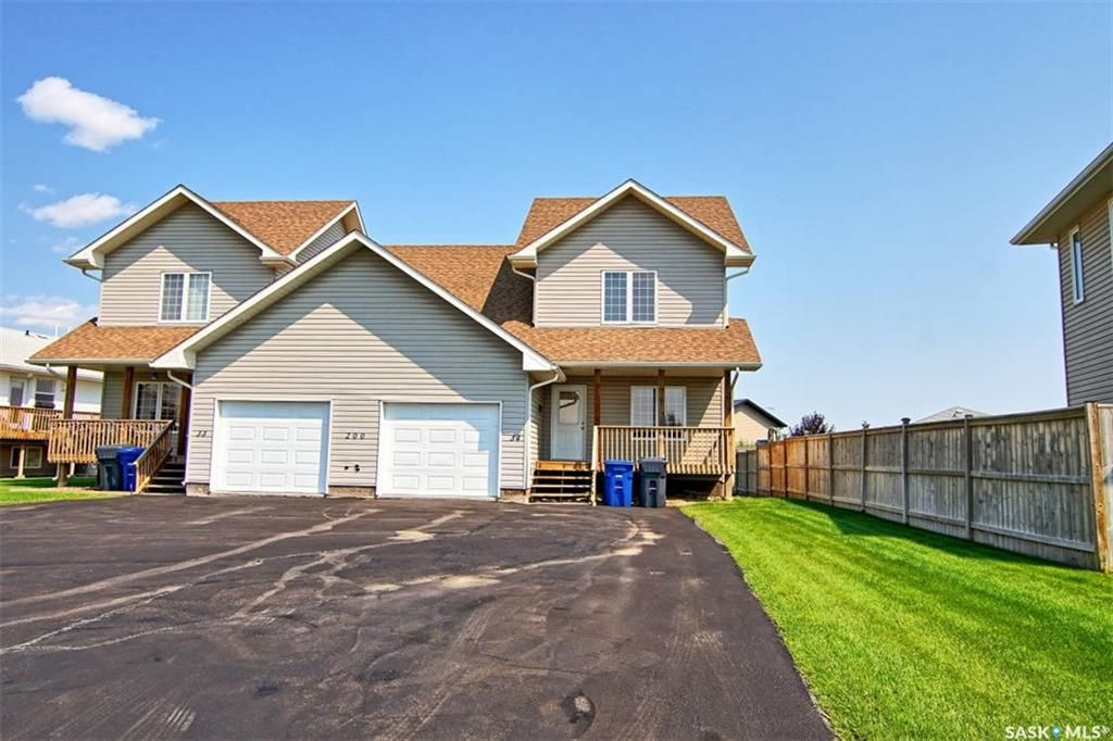Main Photo: 34 200 Hiebert Crescent in Martensville: Residential for sale : MLS®# SK851114