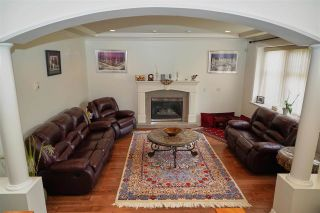 Photo 2: 7871 CUMBERLAND Street in Burnaby: East Burnaby House for sale (Burnaby East)  : MLS®# R2413062