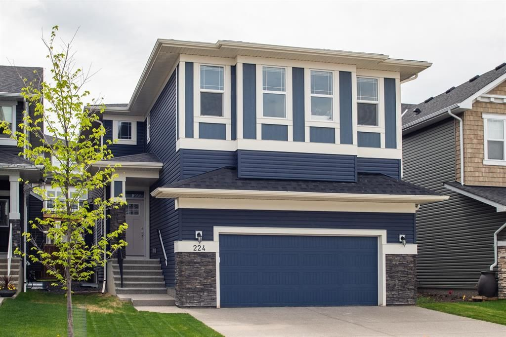 Main Photo: 224 Crestmont Drive SW in Calgary: Crestmont Detached for sale : MLS®# A1118392