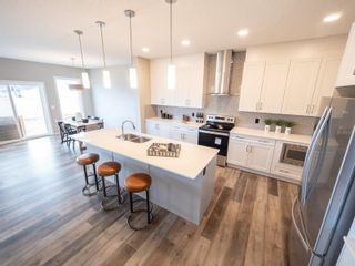 Photo 4: 15824 30 Avenue SW in Edmonton: Zone 56 House for sale : MLS®# E4257189