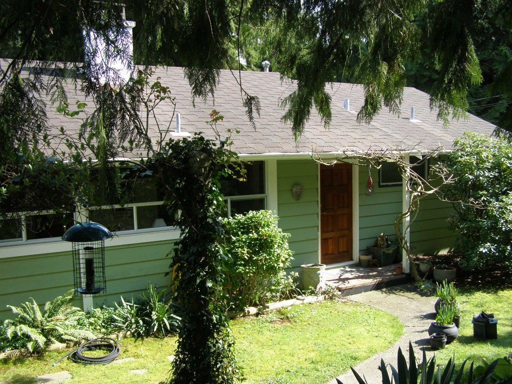 Main Photo: 1820 Alderlynn Drive in North Vancouver: House for sale : MLS®# V883220