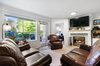 """Photo 4: 101 15290 18 Avenue in Surrey: King George Corridor Condo for sale in """"STRATFORD BY THE PARK"""" (South Surrey White Rock)  : MLS®# R2604945"""