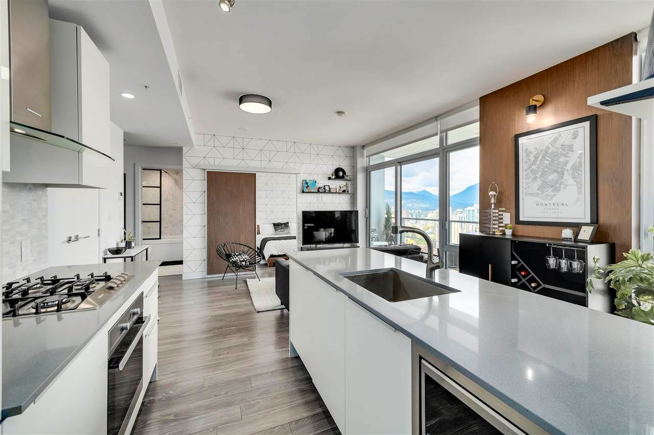 """Main Photo: 3803 1283 HOWE Street in Vancouver: Downtown VW Condo for sale in """"Tate"""" (Vancouver West)  : MLS®# R2592926"""