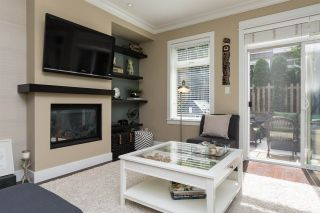 Photo 3: 40 2689 PARKWAY Drive in Surrey: King George Corridor Townhouse for sale (South Surrey White Rock)  : MLS®# R2099136