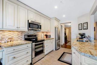 Photo 2: 205 15185 22 Avenue in Surrey: Sunnyside Park Surrey Condo for sale (South Surrey White Rock)  : MLS®# R2547989