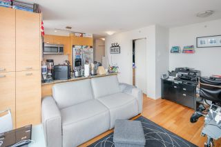 """Photo 11: 403 2483 SPRUCE Street in Vancouver: Fairview VW Condo for sale in """"SKYLINE"""" (Vancouver West)  : MLS®# R2189151"""