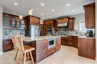 Photo 5: 38 Elmont Estates Manor SW in Calgary: Springbank Hill Detached for sale : MLS®# C4293332