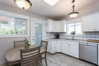 Photo 3: 3305 273A Street in Langley: Aldergrove Langley House for sale : MLS®# R2624579