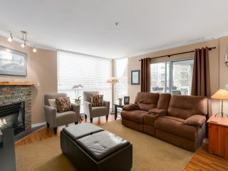 "Photo 4: 212 8450 JELLICOE Street in Vancouver: Fraserview VE Condo for sale in ""Boardwalk"" (Vancouver East)  : MLS®# R2037508"