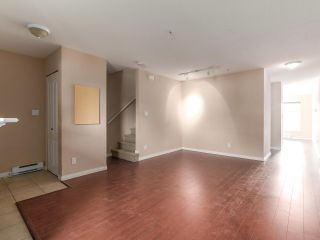 Photo 7: 212 5625 SENLAC STREET in Vancouver: Killarney VE Townhouse for sale (Vancouver East)  : MLS®# R2418906