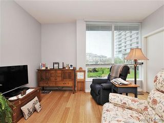 Photo 2: 302 399 Tyee Rd in VICTORIA: VW Victoria West Condo for sale (Victoria West)  : MLS®# 637735