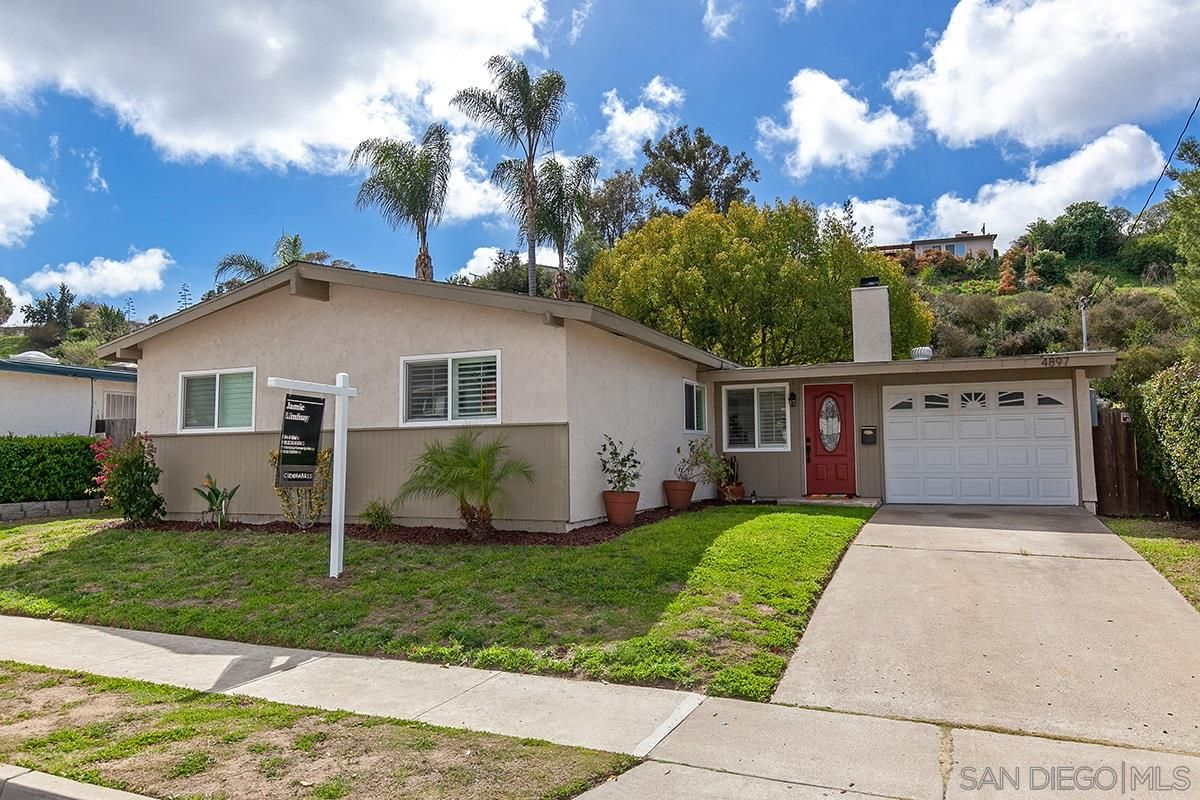 Main Photo: CLAIREMONT House for sale : 3 bedrooms : 4897 Chateau Dr in San Diego