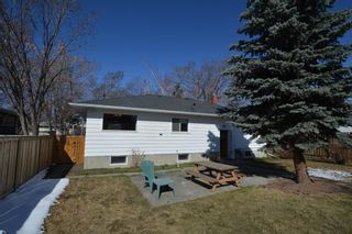 Photo 6: 2708 17A Street NW in Calgary: Capitol Hill Detached for sale : MLS®# A1094236