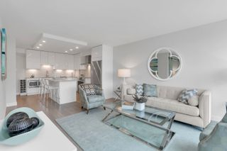 """Photo 4: 405 1490 PENNYFARTHING Drive in Vancouver: False Creek Condo for sale in """"Harbour Cove"""" (Vancouver West)  : MLS®# R2615809"""