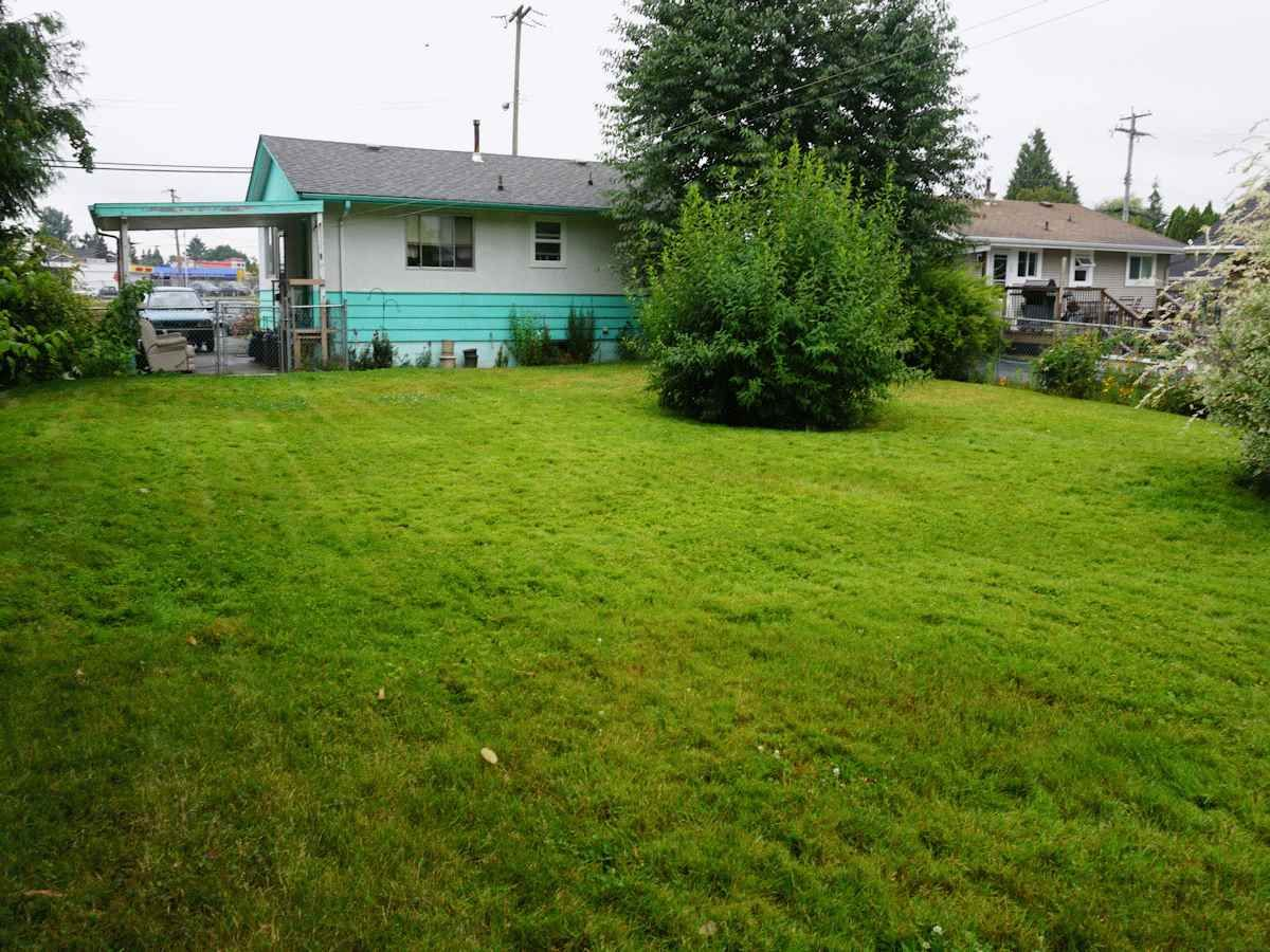 Photo 7: Photos: 33268 ROBERTSON Avenue in Abbotsford: Central Abbotsford House for sale : MLS®# R2088784