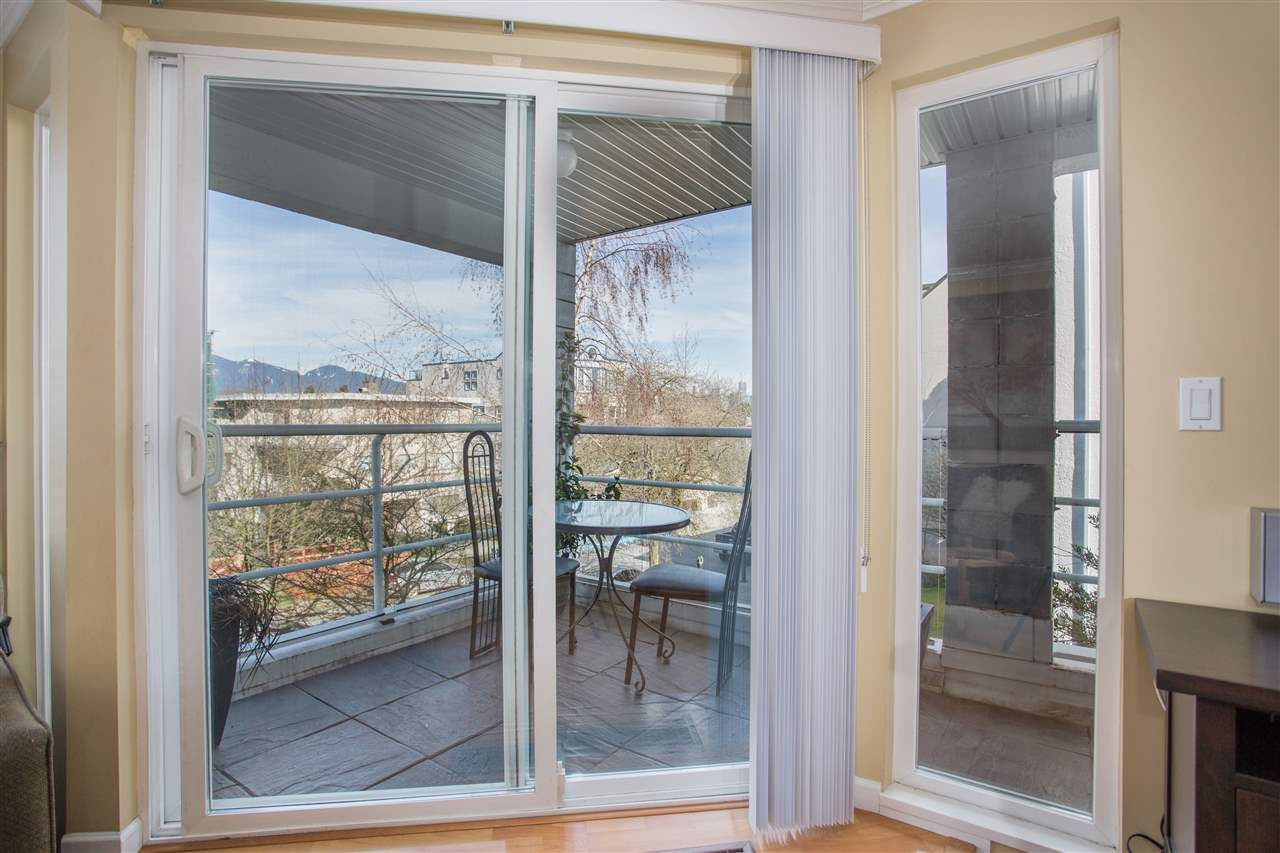 Photo 5: Photos: 2232 YORK Avenue in Vancouver: Kitsilano Townhouse for sale (Vancouver West)  : MLS®# R2255539