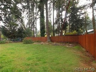 Photo 18: 481 Webb Pl in VICTORIA: Co Wishart South House for sale (Colwood)  : MLS®# 592217