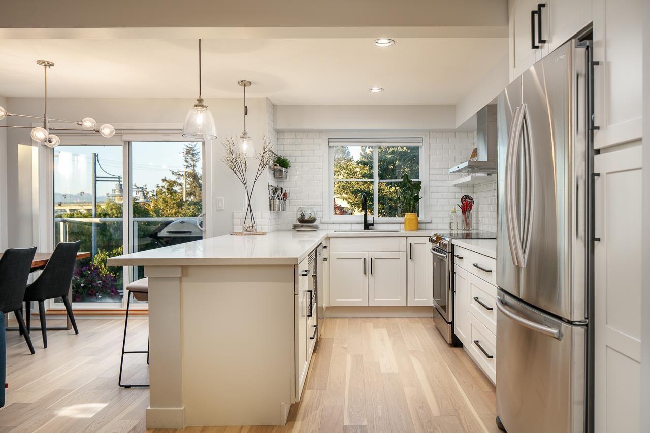 """Photo 13: Photos: 216 5880 DOVER Crescent in Richmond: Riverdale RI Condo for sale in """"WATERSIDE"""" : MLS®# R2244276"""