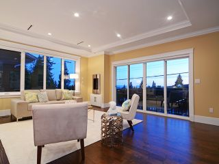 Photo 5: 4918 RANGER AV in North Vancouver: Canyon Heights NV House for sale : MLS®# V1127961