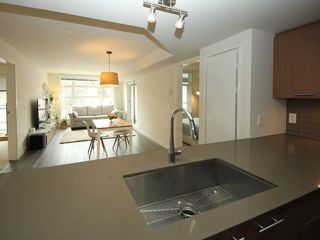 "Photo 4: 405 95 MOODY Street in Port Moody: Port Moody Centre Condo for sale in ""STATION"" : MLS®# R2350991"