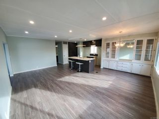 Photo 10: 13 151 Cooper Rd in : VR Glentana Manufactured Home for sale (View Royal)  : MLS®# 867573