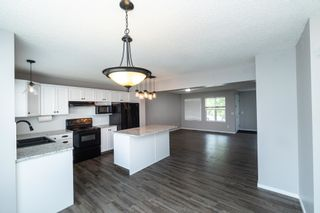 Photo 8: 1695 TOMPKINS Place in Edmonton: Zone 14 House for sale : MLS®# E4257954