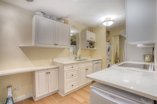 """Photo 10: 113 9584 MANCHESTER Drive in Burnaby: Cariboo Condo for sale in """"BROOKSIDE PARK"""" (Burnaby North)  : MLS®# R2449182"""
