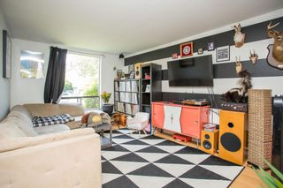 """Photo 6: 20 W 14TH Avenue in Vancouver: Mount Pleasant VW House for sale in """"CITY HALL"""" (Vancouver West)  : MLS®# R2615615"""