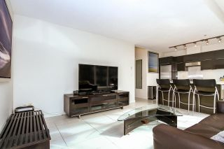 """Photo 5: 502 1252 HORNBY Street in Vancouver: Downtown VW Condo for sale in """"Pure"""" (Vancouver West)  : MLS®# R2093567"""