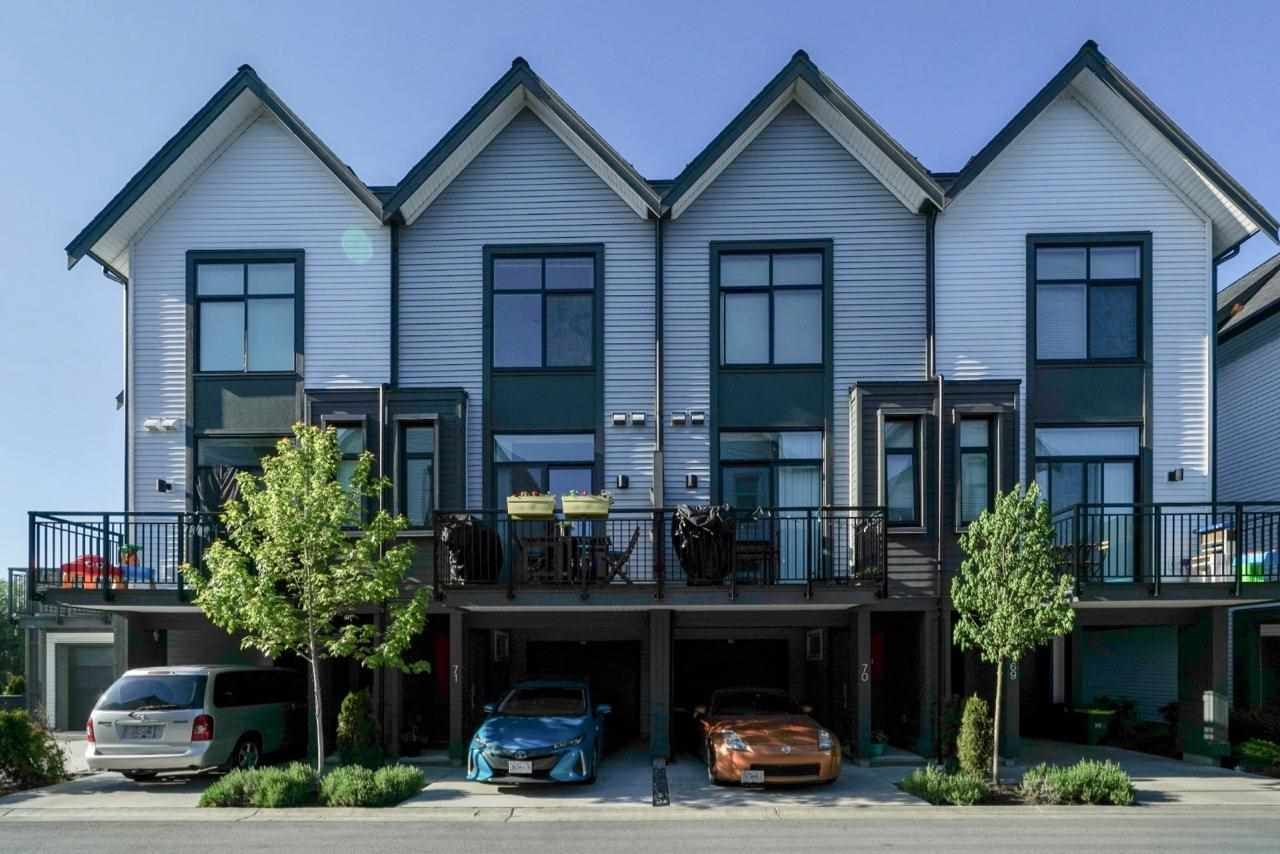 """Main Photo: 71 17555 57A Avenue in Surrey: Cloverdale BC Townhouse for sale in """"HAWTHORNE by MOSAIC HOMES"""" (Cloverdale)  : MLS®# R2576658"""