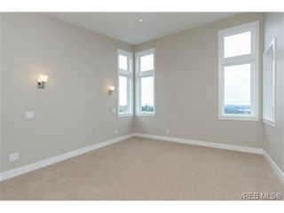 Photo 11: 704 Demel Pl in VICTORIA: Co Triangle House for sale (Colwood)  : MLS®# 686500