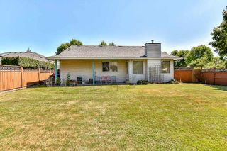 Photo 17: 9127 161A Street in Surrey: Fleetwood Tynehead House for sale : MLS®# R2188659