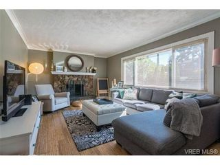 Photo 2: 4020 Glanford Ave in VICTORIA: SW Glanford House for sale (Saanich West)  : MLS®# 738146