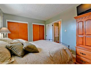 Photo 17: 2931 LATHOM Crescent SW in Calgary: Lakeview House for sale : MLS®# C4006222