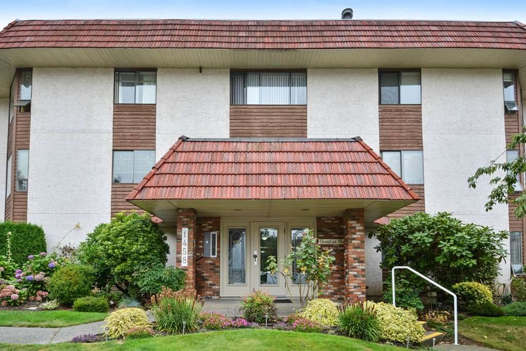 """Main Photo: 204 1458 BLACKWOOD Street: White Rock Condo for sale in """"Champlain Manor"""" (South Surrey White Rock)  : MLS®# R2208824"""