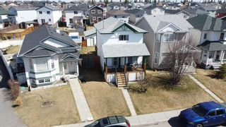 Photo 4: 197 Martin Crossing Crescent NE in Calgary: Martindale Detached for sale : MLS®# A1130039