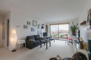 """Photo 4: 205 131 W 4TH Street in North Vancouver: Lower Lonsdale Condo for sale in """"Nottingham Place"""" : MLS®# R2003888"""