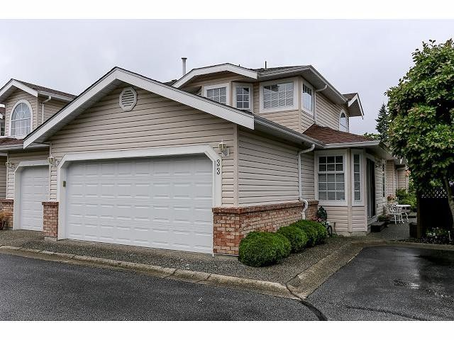 """Main Photo: 33 9168 FLEETWOOD Way in Surrey: Fleetwood Tynehead Townhouse for sale in """"The Fountains"""" : MLS®# F1414728"""