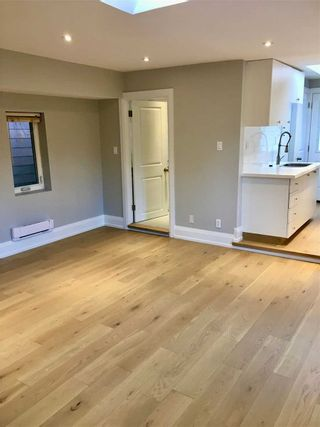 Photo 11: Front 1304 Woodbine Avenue in Toronto: Danforth Village-East York House (Apartment) for lease (Toronto E03)  : MLS®# E4941282