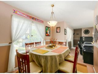 """Photo 4: 205 13725 72A Avenue in Surrey: East Newton Townhouse for sale in """"PARK PLACE ESTATES"""" : MLS®# F1418923"""