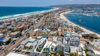 Photo 4: PACIFIC BEACH Townhouse for sale : 3 bedrooms : 816 Isthmus Court in San Diego