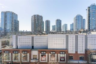 "Photo 11: 806 33 W PENDER Street in Vancouver: Downtown VW Condo for sale in ""33 Living"" (Vancouver West)  : MLS®# R2566180"