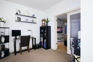 Photo 19: 131 SPRINGBLUFF Boulevard SW in Calgary: Springbank Hill Detached for sale : MLS®# A1066910