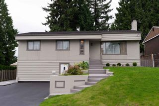Photo 1: 2104 CARMEN Place in Port Coquitlam: Mary Hill House for sale : MLS®# R2615251