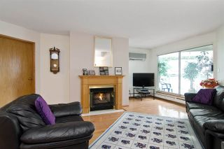 """Photo 3: 3103 33 CHESTERFIELD Place in North Vancouver: Lower Lonsdale Condo for sale in """"Harbourview Park"""" : MLS®# R2037524"""