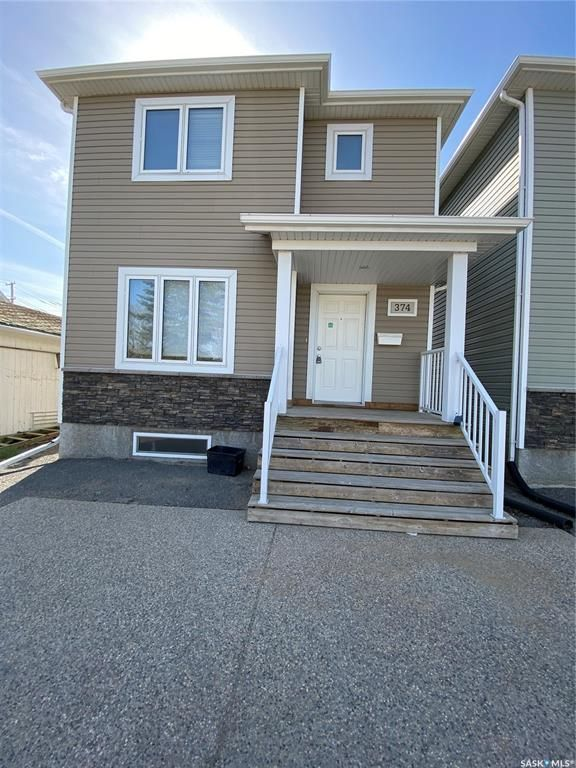 Main Photo: 374 Smith Street in Regina: Highland Park Residential for sale : MLS®# SK854078