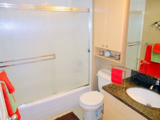 """Photo 5: 207 1955 WOODWAY Place in Burnaby: Brentwood Park Condo for sale in """"DOUGLAS VIEW"""" (Burnaby North)  : MLS®# V896512"""