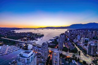 "Photo 1: 5601 1480 HOWE Street in Vancouver: Yaletown Condo for sale in ""VANCOUVER HOUSE"" (Vancouver West)  : MLS®# R2531161"